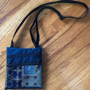 Crossbody embroidered Bag with dual zippers